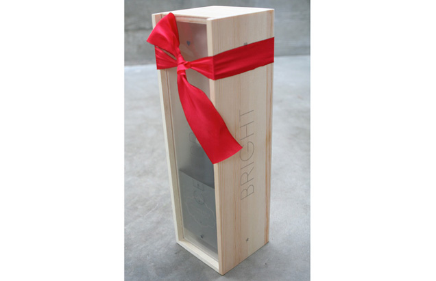 Unique Packaging Wine and Champagne Bottle